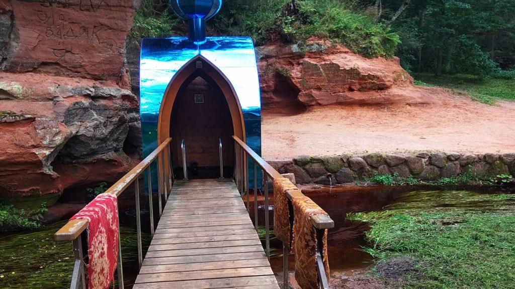 святая пещера в деревня рождествено