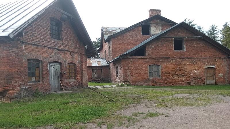 дворянская усадьба приютино хозяйственные постройки