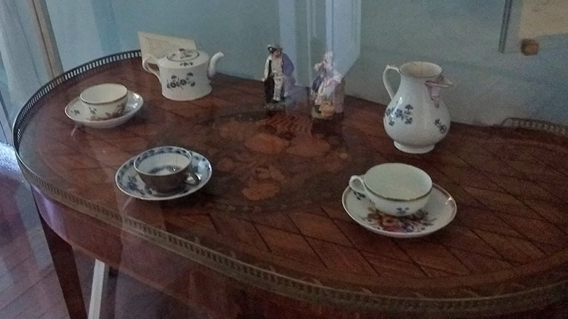 коллекция из дворянской усадьбы приютино