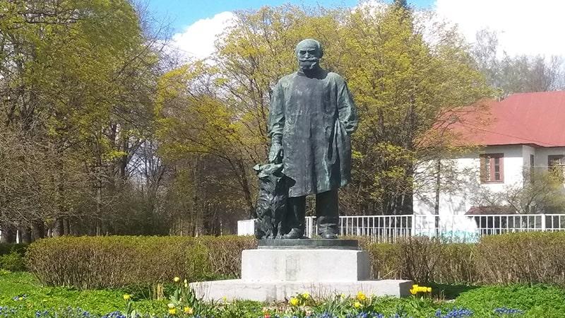 памятник павлову ивану петровичу в павлово