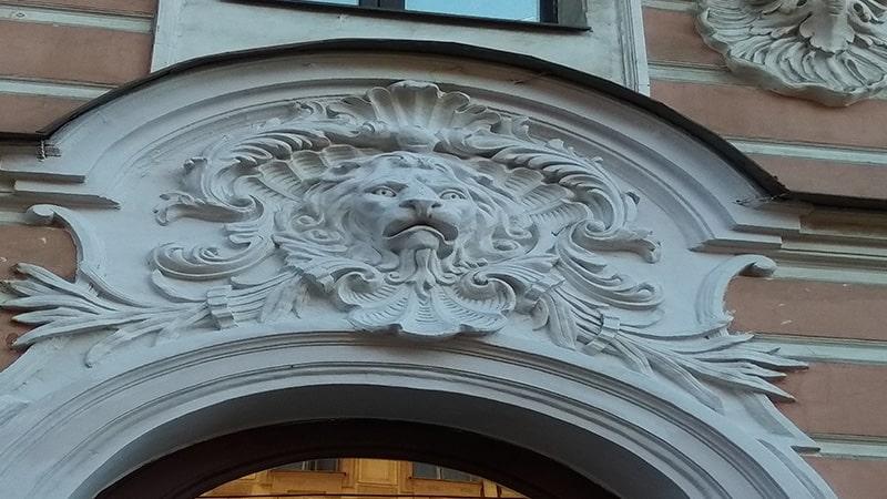 маскароны львов на васильевском острове