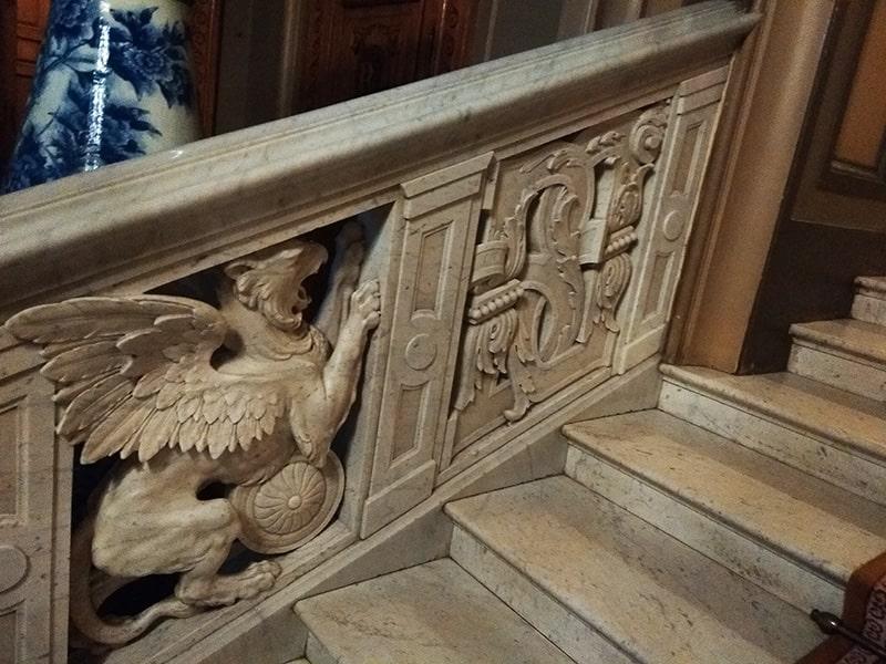 парадная лестница во дворец князя владимира александровича
