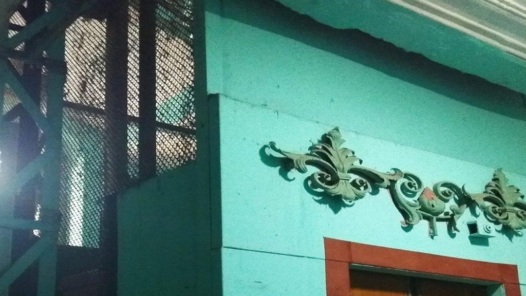 дом пряник на колокольной 11 парадная