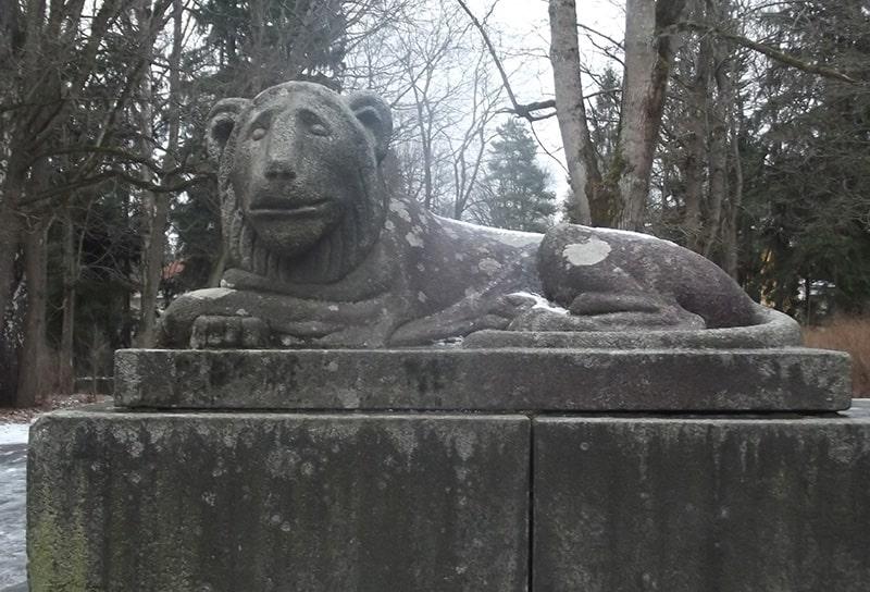 львы шуваловского парка