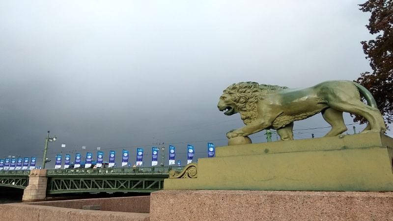 сторожевые львы петербурга