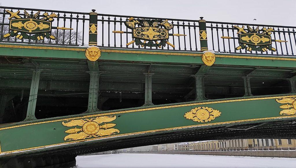 считаем львов в петербурге.под мостом.