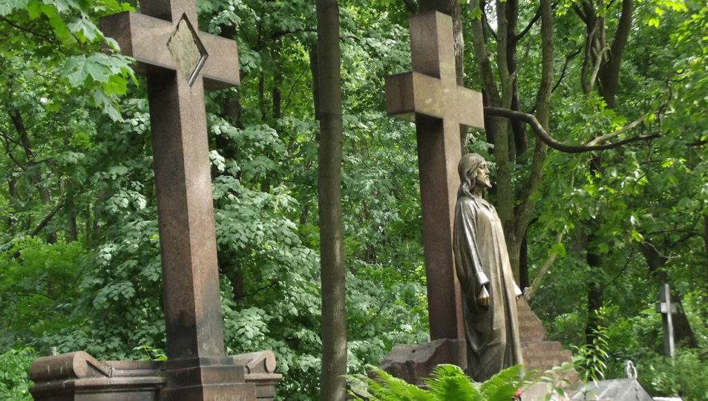 Кладбище Воскресенского Новодевичьего монастыря Санкт-Петербурга